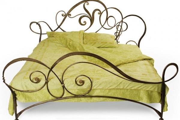 kovani krevet sarami tende crna gora