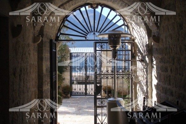 vrata od kovanog gvožđa sarami tende crna gora