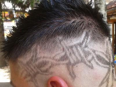 frizer ben tetovaze u kosi 8