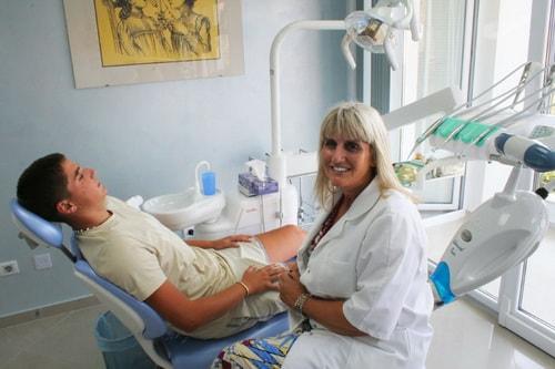 dentalux Prof. dr Jasminka Anđelić